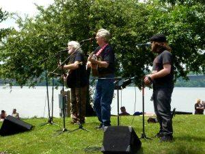 folk singers (2)